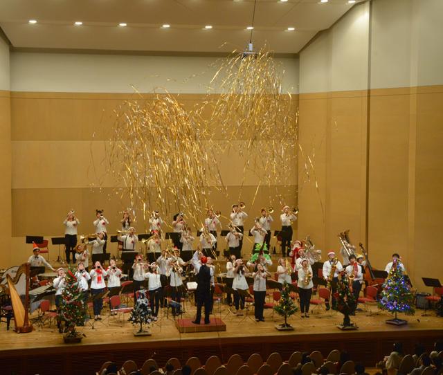 【利用者様の声】クリスマスコンサートのエンディングで!